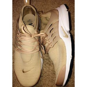 Tan Nike Prestos